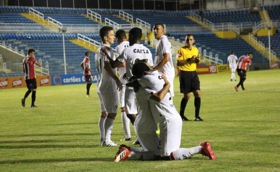 Vitória goleia o Ferroviário por 4 a 1 e assume liderança do Grupo B do Nordestão