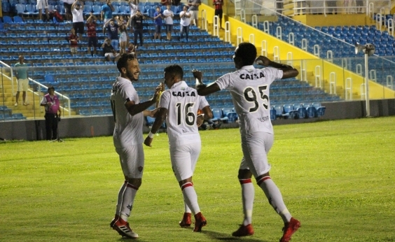 Mancini comemora boa atuação de nova formação do Vitória