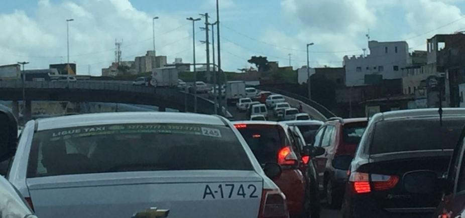 [Avenida Barros Reis tem tráfego intenso nesta manhã; confira ]