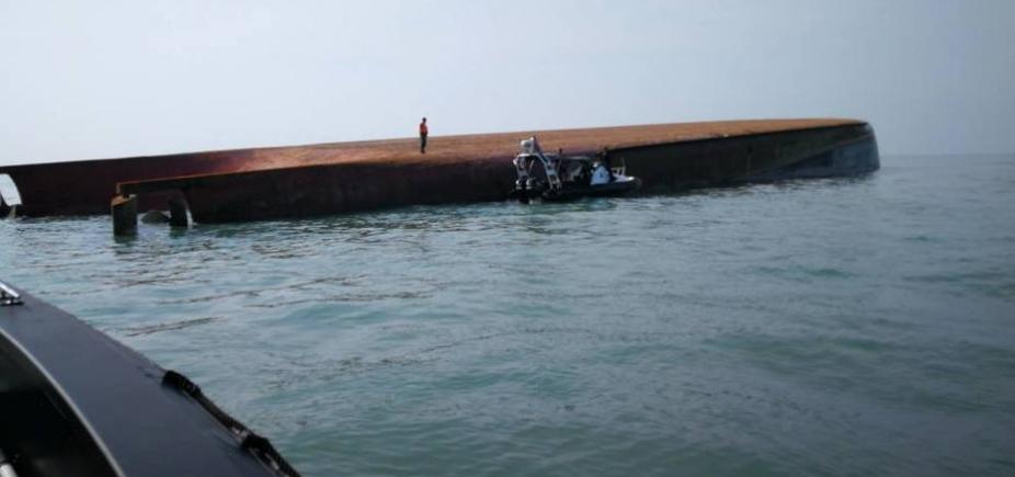 [Malásia: naufrágio de cargueiro deixa um morto e 14 desaparecidos]