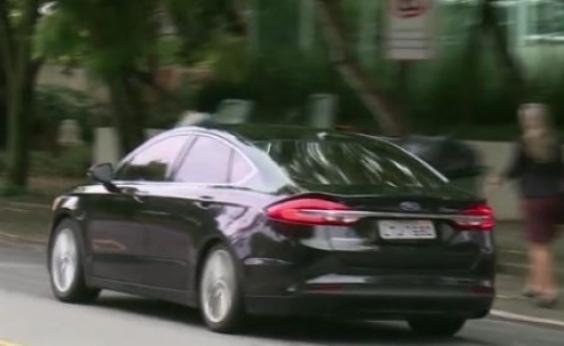 Carro oficial de Crivella tem ʹplaca friaʹ e não consta em cadastro do Denatran