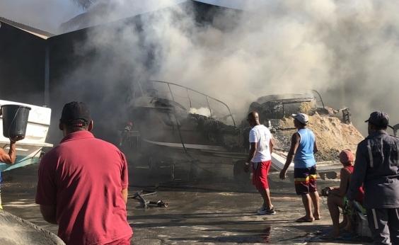 Embarcações de até R$ 1,5 milhão foram destruídas em incêndio na Marina, diz diretor