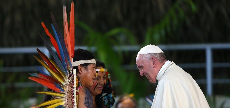 [ʹNão tenha medo de tatuagensʹ, diz papa Francisco]
