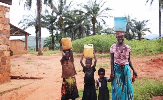Gucci e Beyoncé se unem para levar água potável a crianças na África