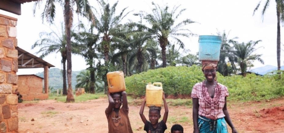 [Gucci e Beyoncé se unem para levar água potável a crianças na África ]