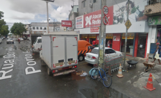 Primeiro andar de supermercado é destruído por incêndio no IAPI