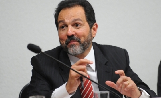 Agnelo Queiroz é absolvido em ação de improbidade