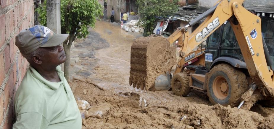 [Salvador registra deslizamentos de terra em diversos bairros após chuva]