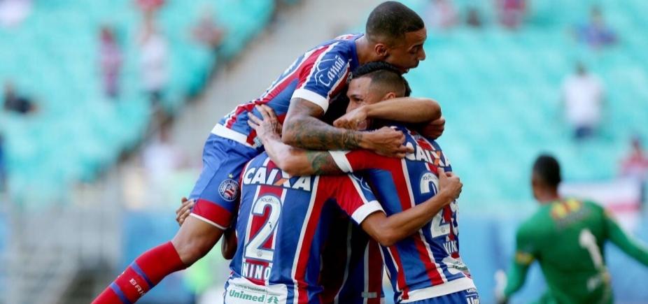 [Em jogo com dois gols contra, Bahia vence a Juazeirense por 3 a 0]