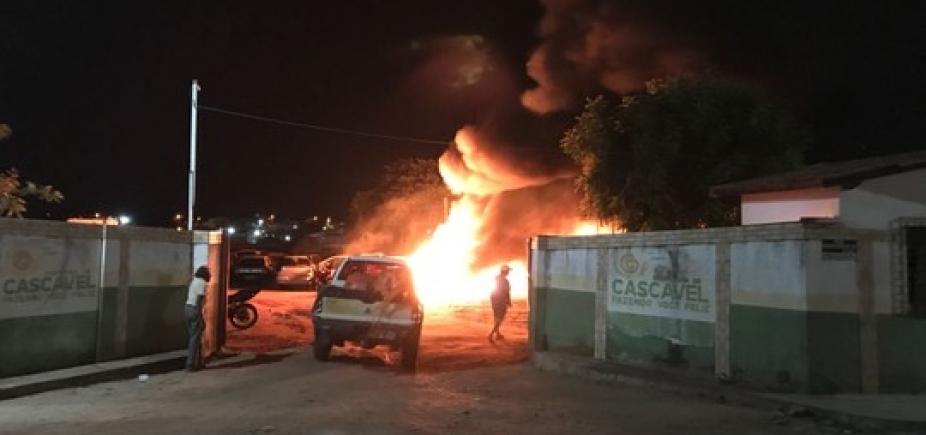[Caos no Ceará: delegacia investiga associação com bloqueadores em presídios]