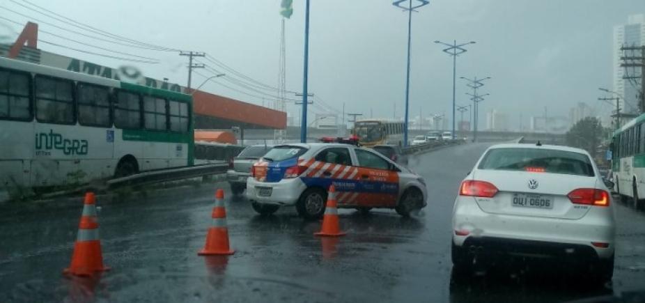 [Com protesto e chuvas, Salvador tem longos congestionamentos; veja ]