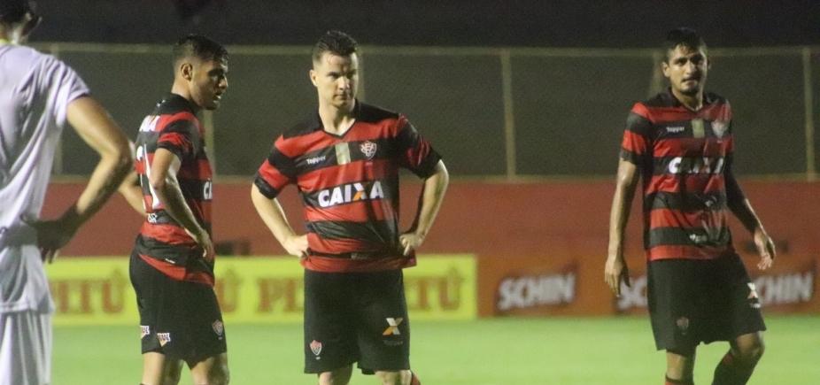 [Vitória vence o Globo de virada por 3 a 1 e se classifica como líder]