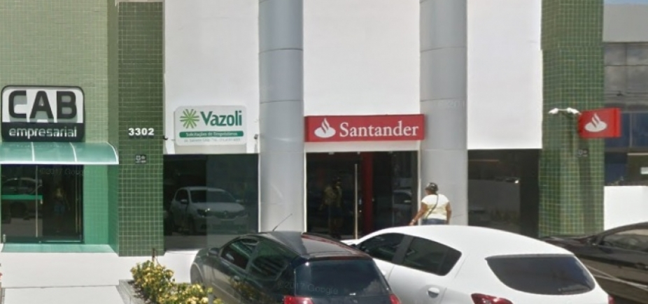 [Bandidos explodem Santander próximo ao CAB]