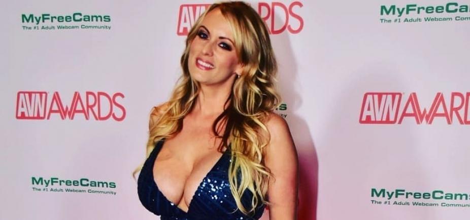 [Advogado de atriz pornô pede depoimento de Trump]