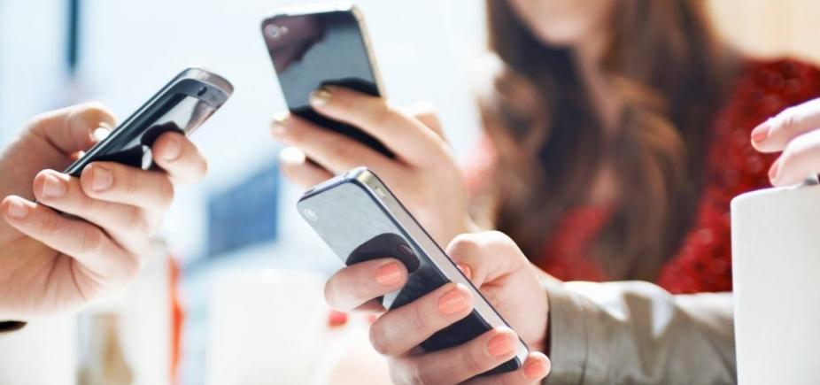 [Telefonia móvel perdeu 574 mil linhas em fevereiro]