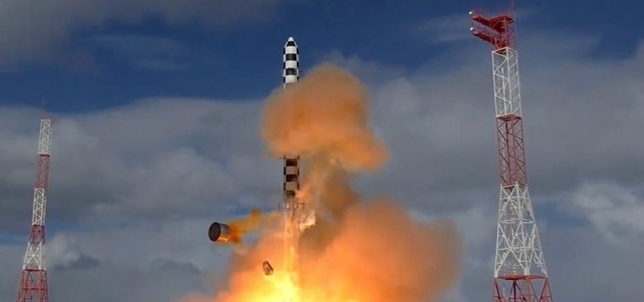 [Rússia faz teste de novo míssil balístico intercontinental]