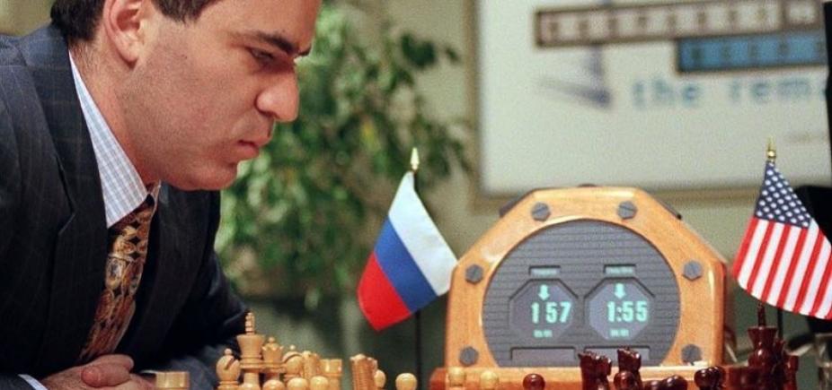 [Ex-campeão mundial de xadrez defende boicote à Copa do Mundo na Rússia]