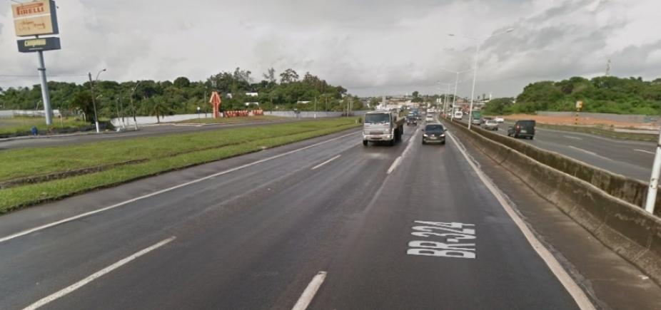[Motociclista de 60 anos morre ao cair na BR-324, em Salvador]