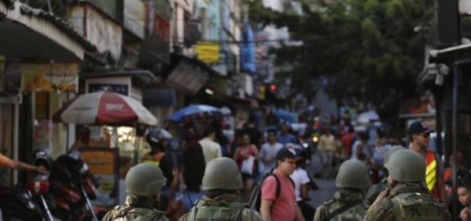 [Dois em cada três brasileiros apoiariam intervenção na Segurança, diz pesquisa]