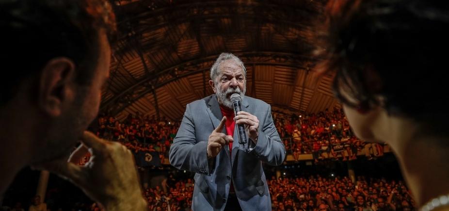 ['Não vão prender meus sonhos', diz Lula em ato ]