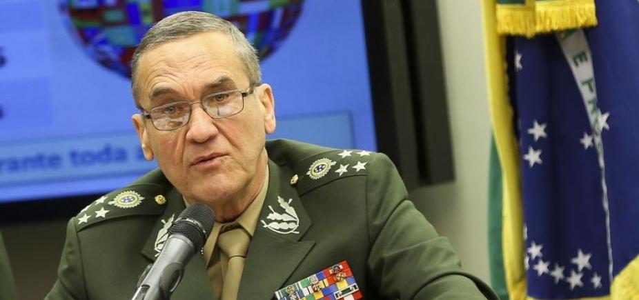 [Governo diz que comandante do Exército mantém ʹcoerência e equilíbrioʹ]