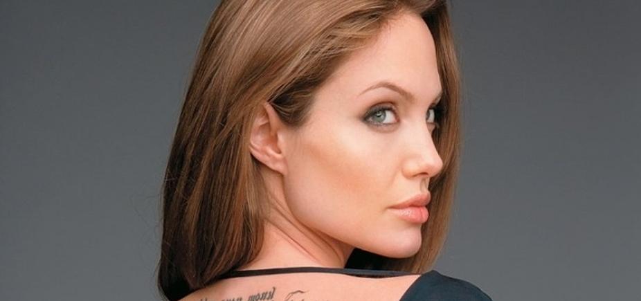 [Solteira há 2 anos, Angelina Jolie tem crush famoso e casado, diz site]