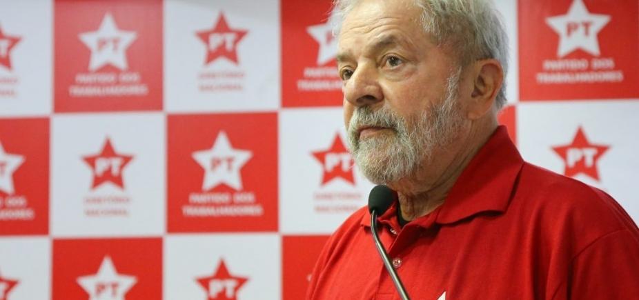 [Lula admite a aliados que está fora das eleições ]