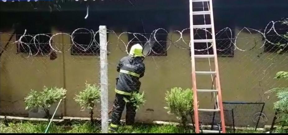 [Incêndio em penitenciária do Rio Grande do Sul deixa pelo menos 5 presos mortos]