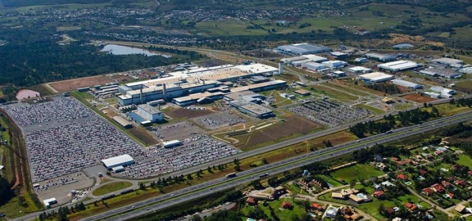 [Produção de automóveis em março atinge maior volume mensal desde 2014]