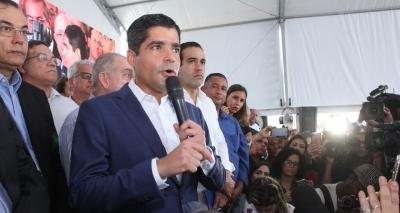 Neto decide concorrer ao governo e leva Gualberto para o PR como vice
