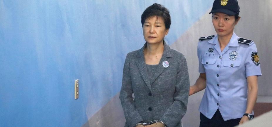 [Ex-presidente da Coreia do Sul é condenada a 24 anos de prisão por corrupção]