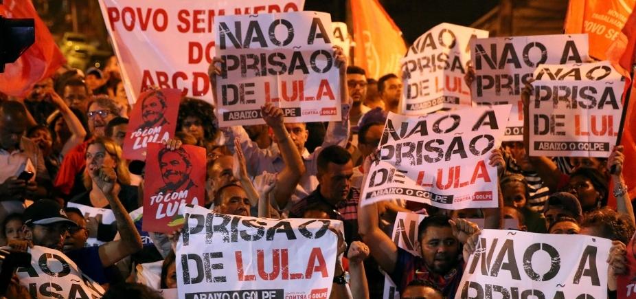 [Lula vai ficar no sindicato junto com a militância, diz Gleisi Hoffmann]