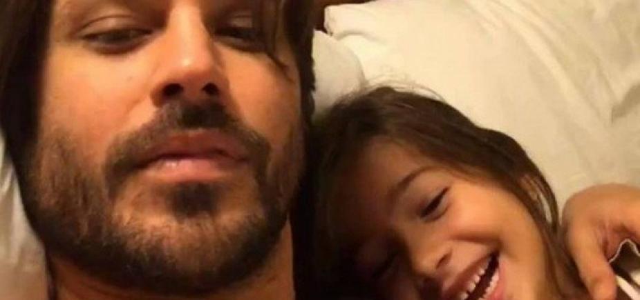 [Dado Dolabella posta foto com a filha após soltura: ʹPapai está mais forte que nunca!ʹ]