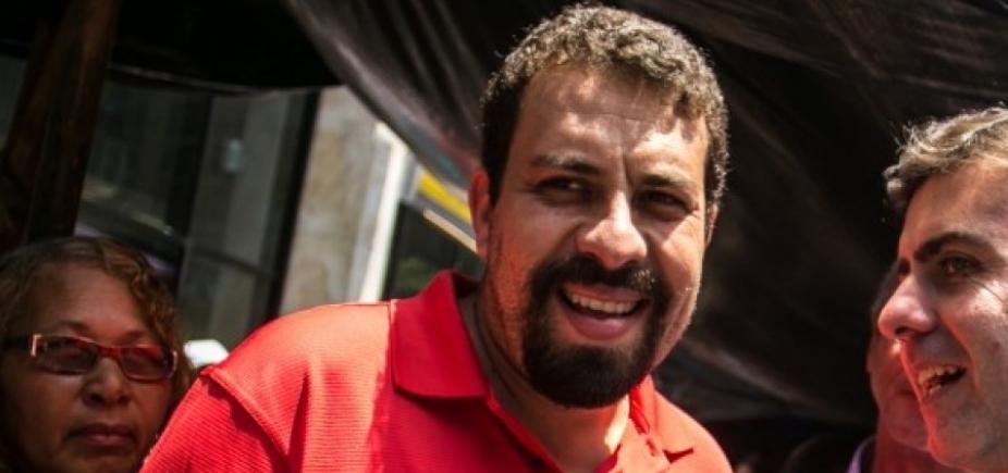 [Bolsonaro é 'piada de péssimo gosto', diz pré-candidato do PSOL ]