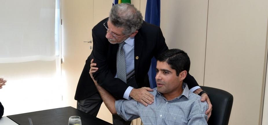 [Chateado com Neto e Gualberto, Herzem quer que lideranças 'tomem juízo' ]