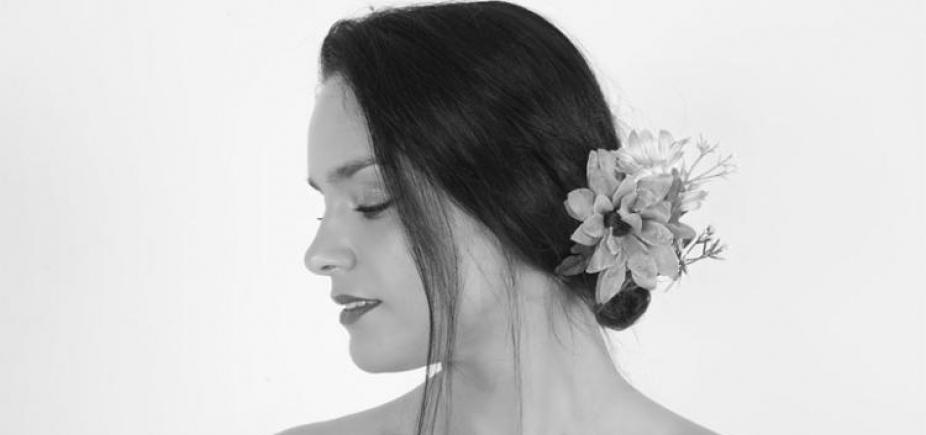 [Cantora portuguesa recebe Armandinho e Carla Visi em show em Salvador]