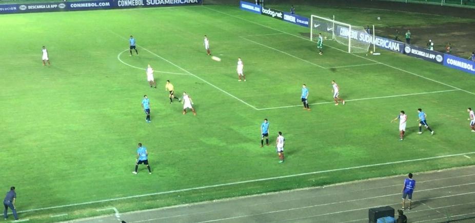 [Bahia desperdiça gols e perde por 1 a 0 para o Blooming na Bolívia]