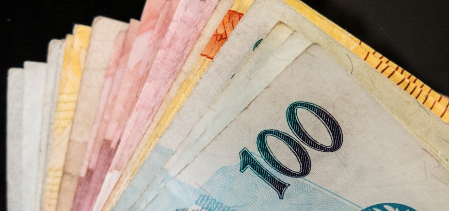 [Governo propõe salário mínimo de R$ 1.002 para 2019]