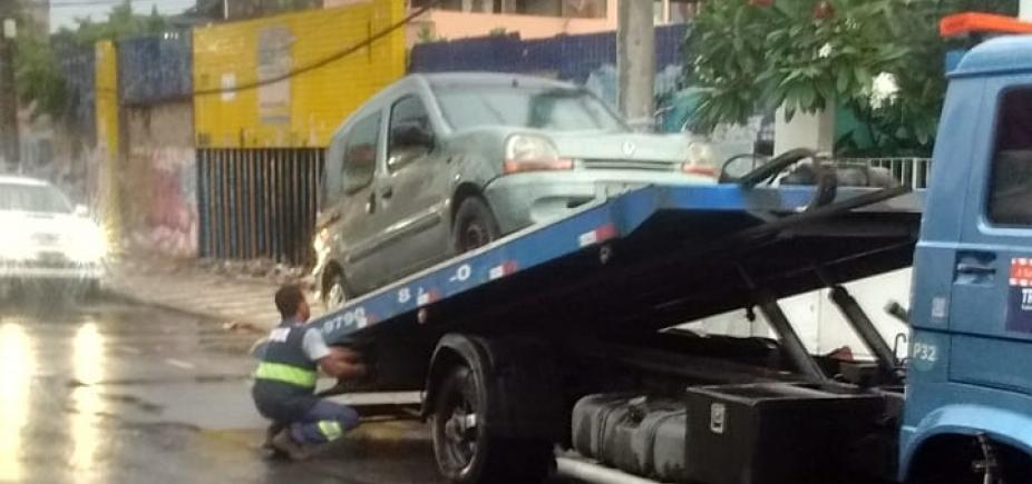 [ʹMotel disfarçadoʹ é removido da Boca do Rio após denúncia à Metrópole]