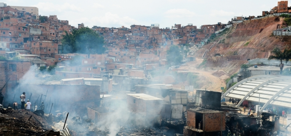 [Pobreza extrema sobe 11,2% no Brasil]