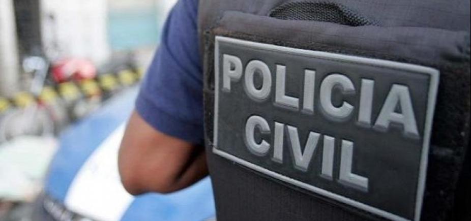 [Polícia encontra corpo carbonizado em carro de delegado desaparecido]