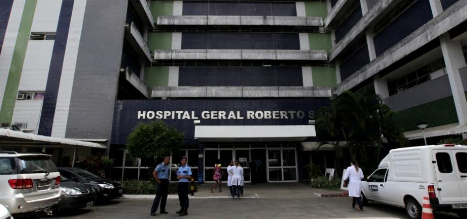 [Mulher dá à luz dentro de táxi em frente ao Hospital Roberto Santos]