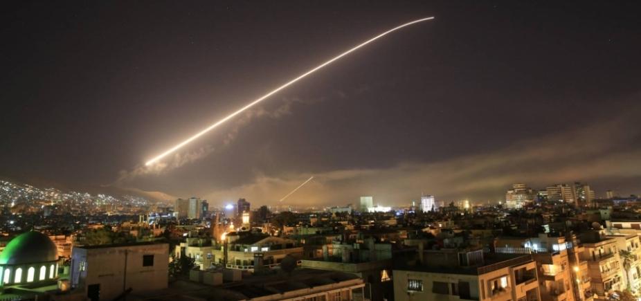 [Bombardeio na Síria deixou três civis feridos, afirma Exército Sírio]
