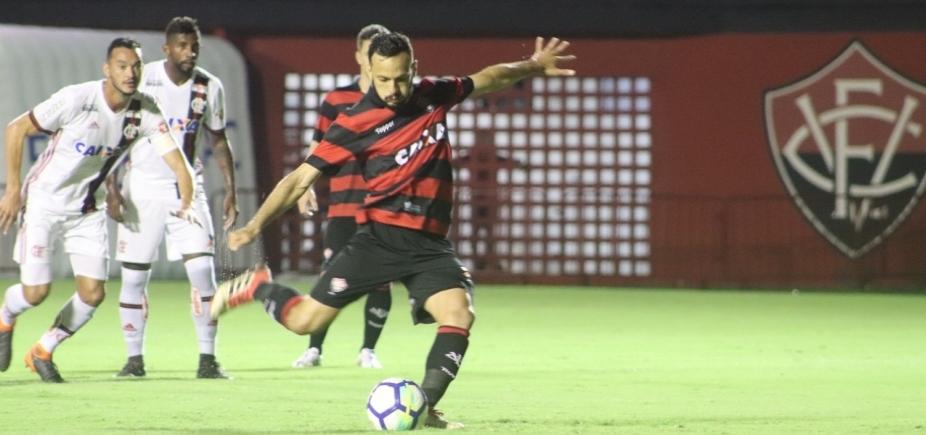 [Em jogo marcado por erros de arbitragem, Vitória empata com o Flamengo em 2 a 2]