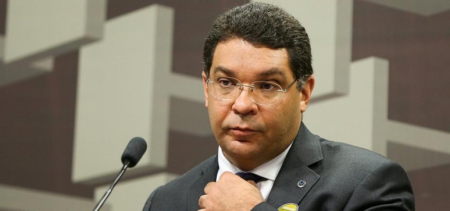 [Mansueto Almeida é confirmado como secretário do Tesouro]