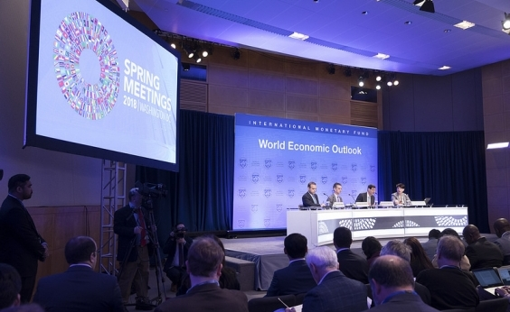 FMI melhora previsão do PIB brasileiro para 2018