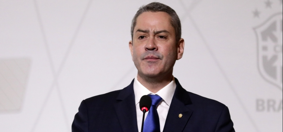 [Rogério Caboclo é eleito por aclamação para comandar a CBF]