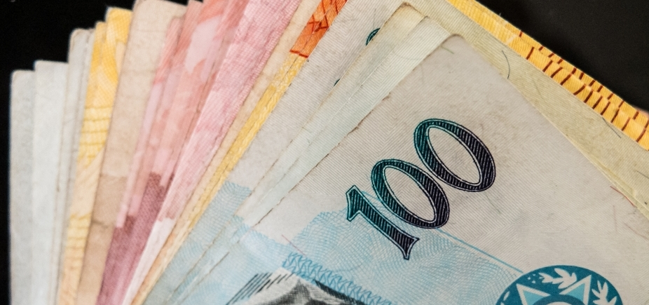 [FMI projeta que Brasil terá superávit primário em 2022 ]