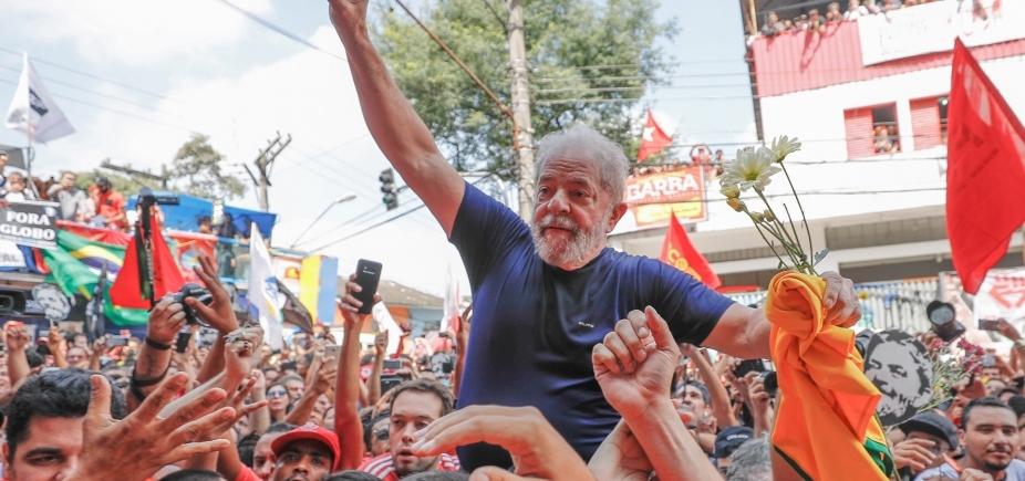 [Lula recebe parentes na prisão pela segunda vez desde que foi preso]