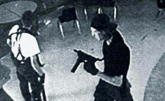 Ataques a tiros em escolas nos EUA explodiram em 20 anos, aponta estudo